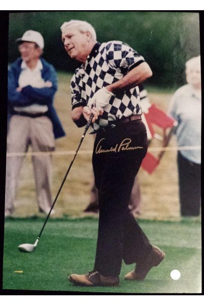 Arnold Palmer Signed 16x23 Photo Autographed Authenticated Brown pants