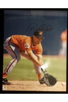 Derek Jeter Signed 11x14 Photo Autographed Auto GA GAI COA