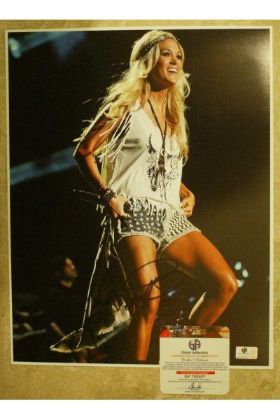 Carrie Underwood Signed 11x14 Photo Autographed Auto GA GAI COA Storyteller