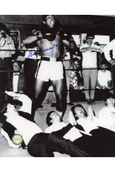 Muhammad Ali Signed 8x10 Photo Autographed The Beatles Beating Chest