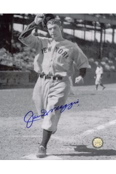 Joe DiMaggio Signed 8x10 Photo Autographed Crossing Home