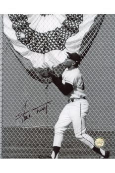 Willie Mays Signed 8x10 Photo Autographed The Catch B&W