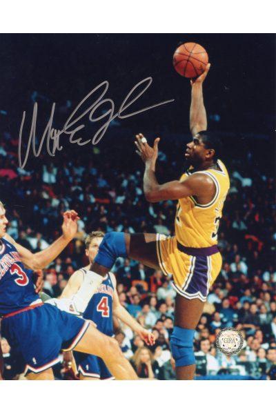 Ervin Magic Johnson Signed 8x10 Photo Autographed Hook shot