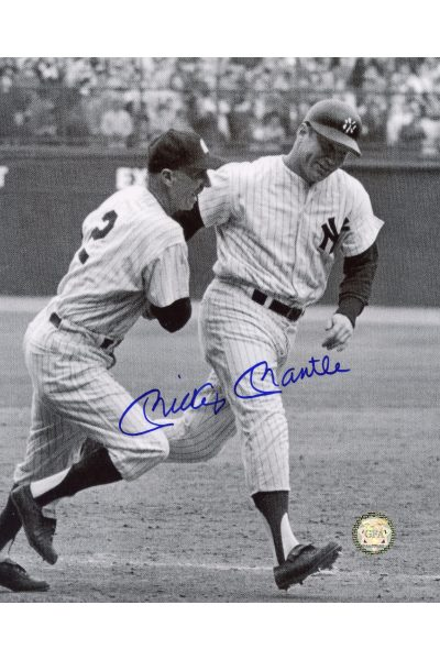 Mickey Mantle Signed 8x10 Photo Autographed round third