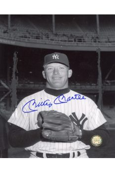 Mickey Mantle Signed 8x10 Photo Autographed Posed hand in Glove
