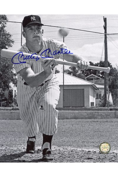 Mickey Mantle Signed 8x10 Photo Autographed Bunting B&W