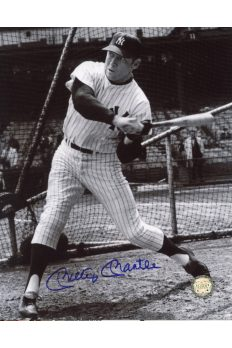 Mickey Mantle Signed 8x10 Photo Autographed Hitting batting Cage Left