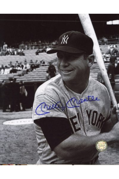 Mickey Mantle Signed 8x10 Photo Autographed Posed batting left smiling